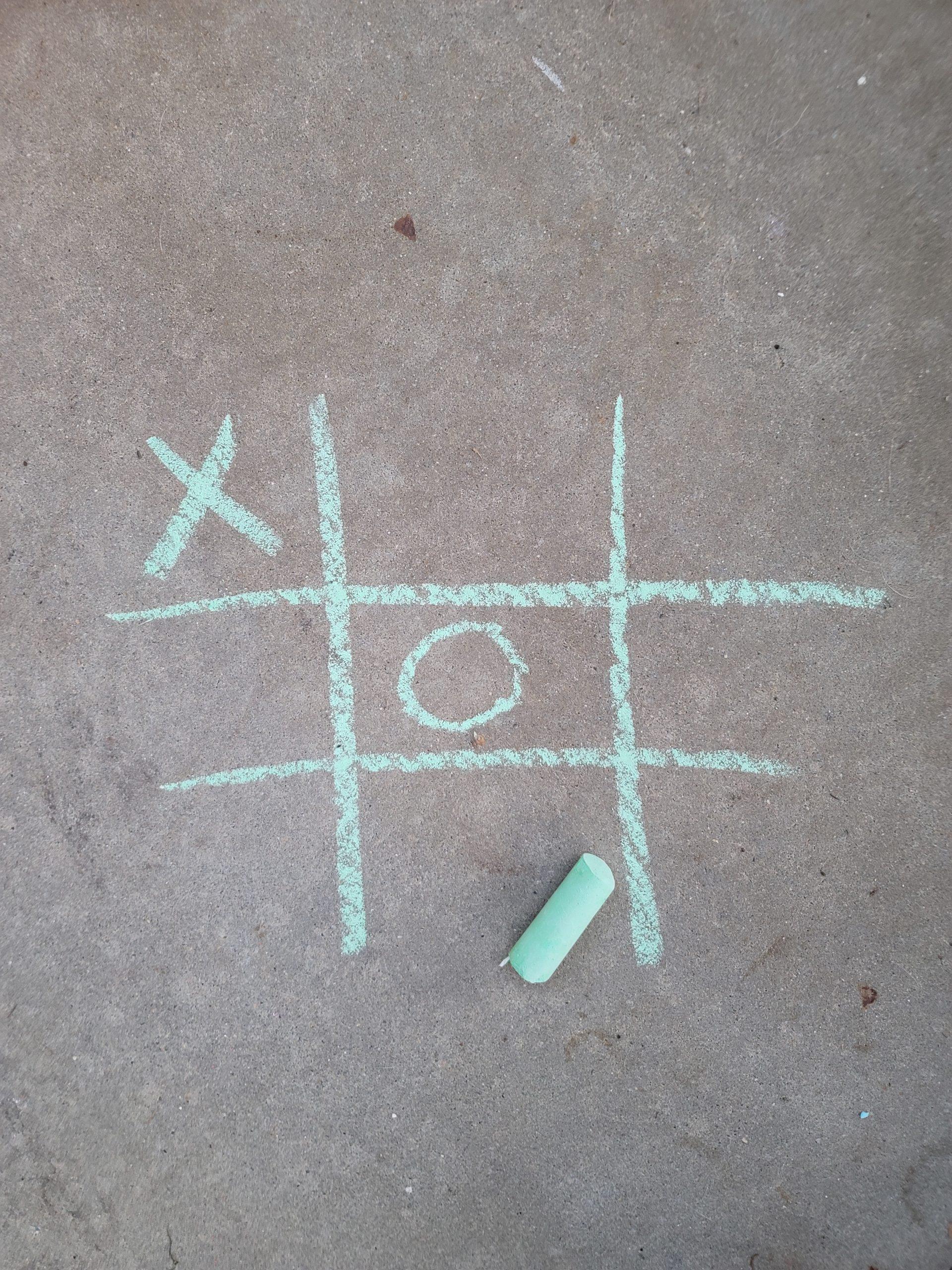 Tic tac toe sidewalk chalk